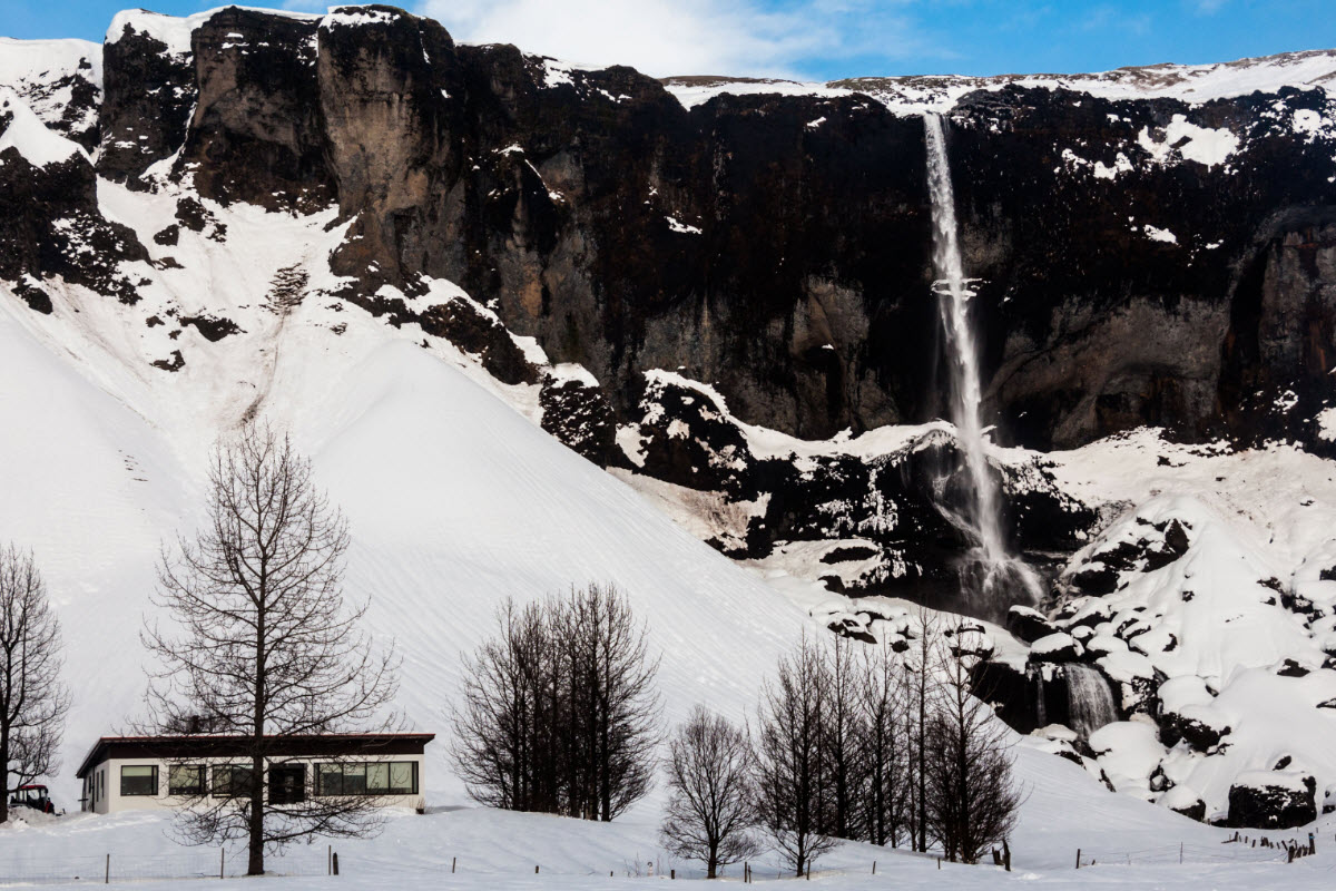 Foss a Sidu Waterfall during winter
