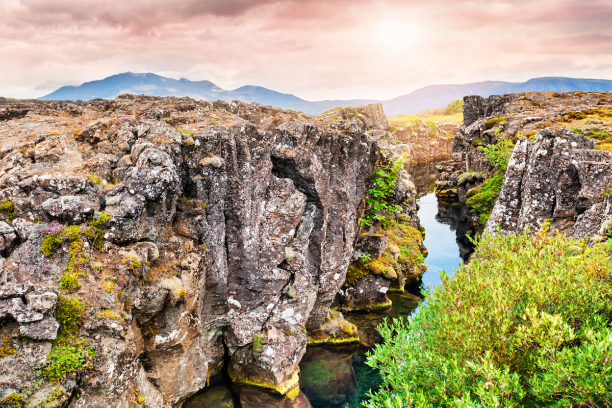 The cliffs where the tectonic plates meet in Thingvellir National Park are very beautiful