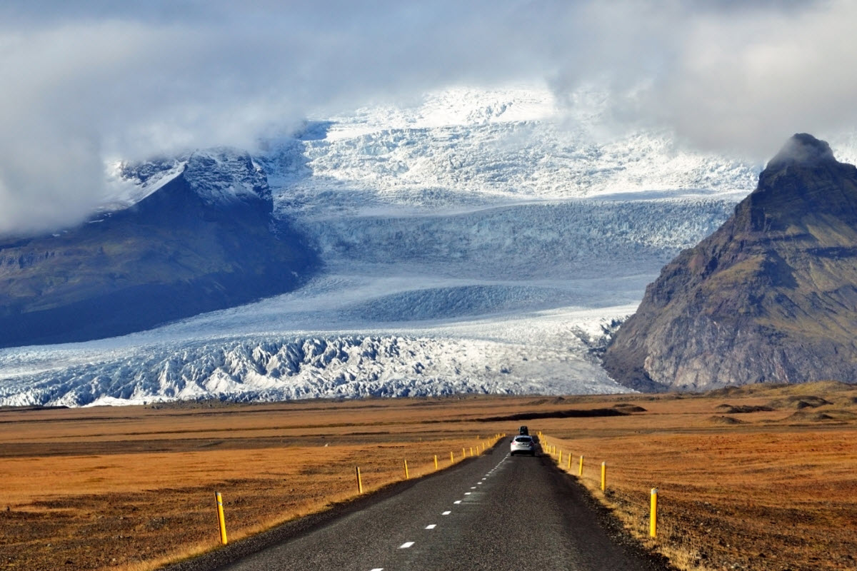 The amazing view from the road in Vatnajokull National Park