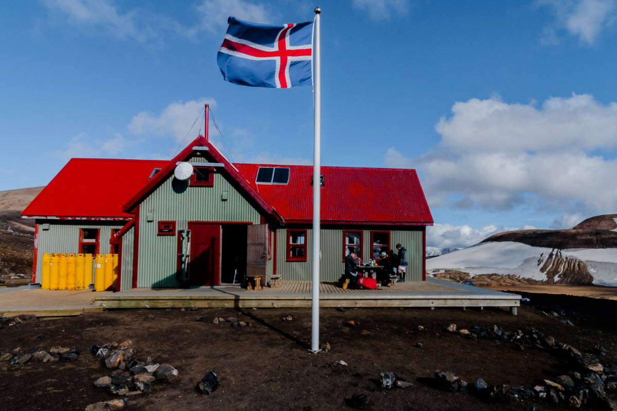 The hut at Hrafntinnusker on the Laugavegur trek