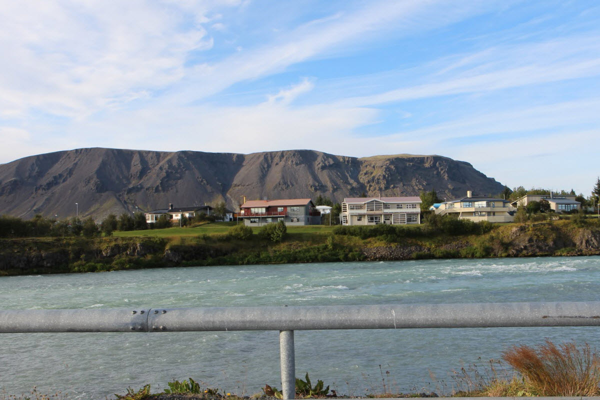The view over Ölfusá river to Ingolfsfjall mountain in Selfoss